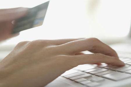 Why Should You Accept Credit Cards Online?